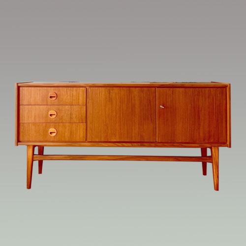 Sideboard 19