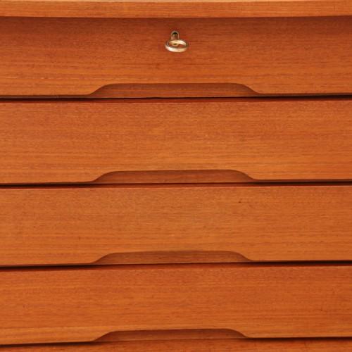 Sideboard 22